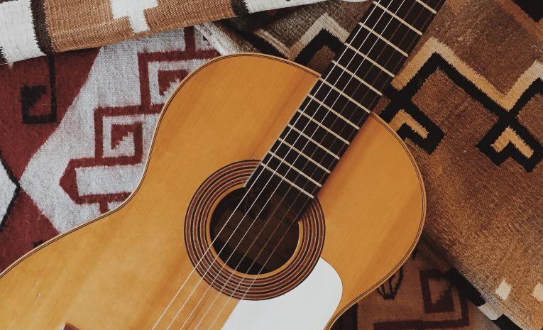 Guitare acoustique - Continuants